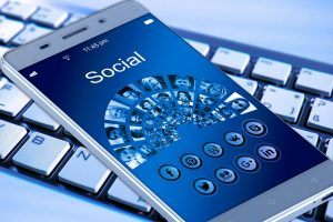 How to build network marketing business online social media